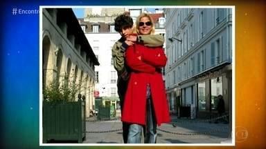 Paula Toller relembra foto de viagem com o filho em 2004 - O 'TBT do Encontro' faz a cantora reviver viagem a Paris