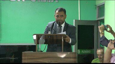 Novo prefeito de Bayeux toma posse - Noquinha assumiu depois que a Justiça mandou afastar Luiz Antônio.