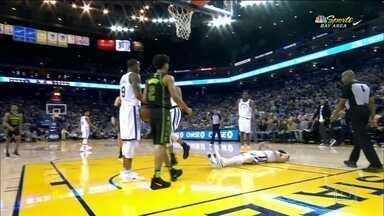 Stephen Curry sofre lesão preocupante na partida contra os Hawks - Stephen Curry sofre lesão preocupante na partida contra os Hawks
