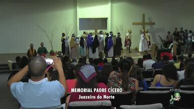 Momento de paz e reflexão no Memorial Padre Cícero em Juazeiro do Norte - Evento é realizado pela Comunidade Shalom.