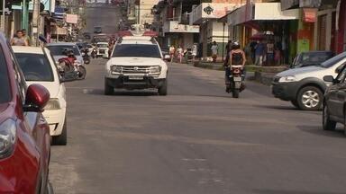 Homem é assassinado na frente de casa no bairro Mutirão, em Manaus - Segundo a polícia, mais de 50 cápsulas foram recolhidas no local.