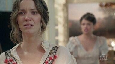 Elisabeta discute com Ema - Mesmo depois de ouvir ofensas da amiga, Ema aconselha Elisabeta a fazer as pazes com Darcy