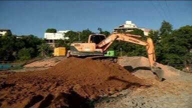 Cronograma da obra de barragem no Rio Pequeno, em Linhares, é modificado - Abertura do canal, que ia acontecer nesta quarta-feira (4), não vai mais ser feita na data.