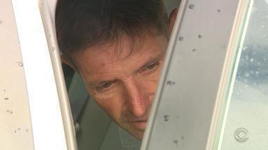 Justiça decreta prisão preventiva de homem por atropelamento e morte em Porto Alegre - Fabio José Volpato Ferreira, que dirigia um caminhão após consumir álcool e sem habilitação, deve ser indiciado em até 10 dias, segundo delegado que fez a prisão.