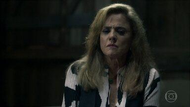 Sophia confessa crime para Zé Victor - Garimpeiro conclui que a vilã é a responsável pelas mortes de Laerte, Vanessa e Rato. Sophia faz uma proposta ao empregado e afirma que ele não vai se arrepender