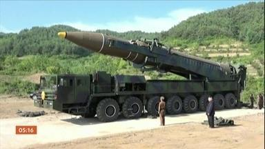Coreia do Norte teria iniciado discussão com os EUA para acabar com programa nuclear - Os dois líderes dos dois países anunciaram seu primeiro encontro, mas autoridades dos Estados Unidos dizem que não está certo que este encontro vá mesmo acontecer.