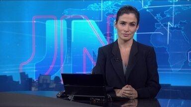 Veja no JN: Financiamento do cheque especial terá mudanças a partir de 1º de julho - Veja o que vai mudar no financiamento. O JN está acompanhando a violência no Pará. Depois da morte de dois PMs, 12 pessoas foram assassinadas. Ainda no estado, tentativa de fuga de um presídio deixou 20 mortos. Presidente do Facebook, Mark Zuckerberg, pede desculpas, no Congresso americano, pelo escândalo de vazamento de dados e cita as eleições esse ano no Brasil.