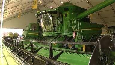 Tecnoshow deve movimentar R$ 2 bilhões até sexta-feira em Rio Verde, GO - Feira apresenta as últimas novidades da tecnologia para a produção rural