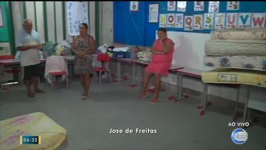 Famílias de José de Freitas são abrigadas em escolas por conta dos alagamentos - Famílias de José de Freitas são abrigadas em escolas por conta dos alagamentos