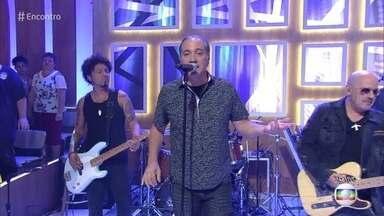 Biquíni Cavadão canta 'Janaína' - Banda anima a plateia do 'Encontro'