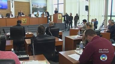Prefeito de Sorocaba apresenta projeto de reestruturação da saúde - O Prefeito de Sorocaba José Crespo (DEM) foi à Câmara de Sorocaba (SP), nesta quarta-feira (11), para apresentar o projeto de reestruturação da Saúde municipal.