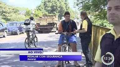 Jacareí tem campanha para chamar atenção dos ciclistas - Foco da ação é a segurança deles.