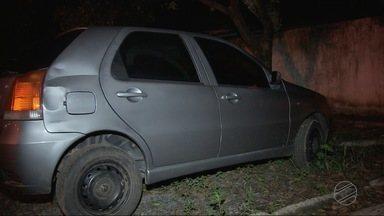 Homem é preso com várias placas e veículos roubados - Homem é preso com várias placas e veículos roubados.