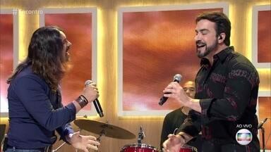 Padre Fábio de Melo e André Leite cantam no palco do 'Encontro' - Confira a apresentação!