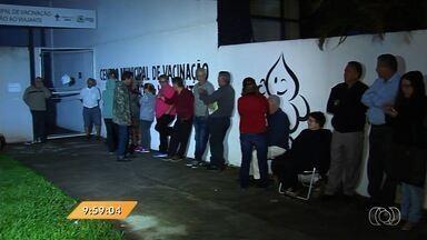 Anhanguera Noticias: Idosos enfrentam longas filas para se vacinar contra H1N1, em Goiânia - Veja todos os destaques do Anhanguera Notícias.