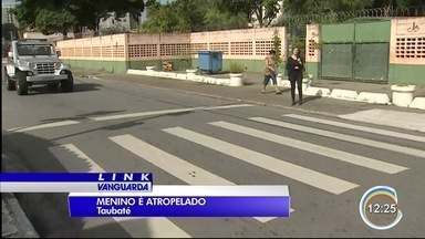Menino de 11 anos é atropelado em Taubaté - Ele atravessava a rua para ir à escola.