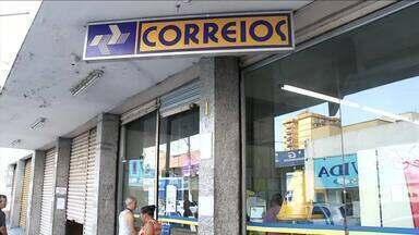 Clientes reclamam de atrasos nas entragas dos Correios em Volta Redonda, RJ - Muitas pessoas estão passando por esse problema ao contratar o serviço na cidade.