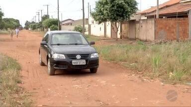Moradores reclamam da falta de asfalto em bairro de Três Lagoas - Eles se sentem abandonados pelo poder público.