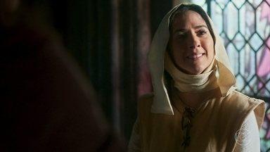 Lucrécia comunica a Heráclito e Latrine que vai deixar o Convento - Heráclito comemora e desconfia que a sobrinha queira voltar a Montemor por causa de Rodolfo