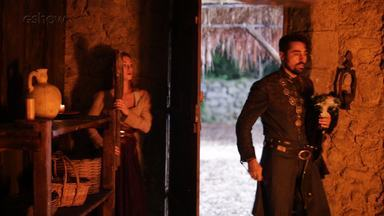 Ricardo Pereira mostra bastidores da fuga de Amália e Levi do cativeiro de Virgílio - Ator fala da paixão obsessiva do comerciante pela plebeia em 'Deus Salve o Rei'
