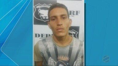 Vídeo mostra família sendo feita refém por assaltantes em Cuiabá - Vídeo mostra família sendo feita refém por assaltantes em Cuiabá.