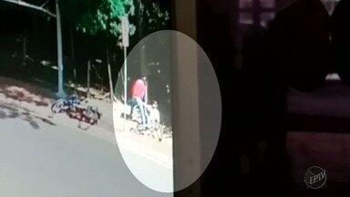 Ladrão rouba celular e é detido por testemunhas em Ribeirão Preto, SP - Flagrante foi na Avenida Quito Junqueira próximo a Avenida Paschoal Innechi.