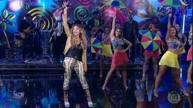 Elba Ramalho anima a plateia com 'Banho de Cheiro' - A cantora levanta o público e os convidados