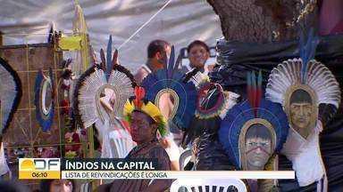 Índios de todo país estão acampados em Brasília - Eles vieram participar das celebrações do Dia do Índio e trouxeram uma longa lista de reivindicações. A principal delas é a demarcação das terras indígenas.