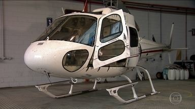 Polícia encontra vestígios de cocaína em helicóptero apreendido em São Paulo - Três pilotos foram presos suspeitos de tráfico de drogas.