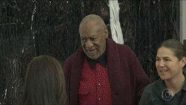Ator e comediante americano Bill Cosby é condenado por abuso sexual - Bill Cosby, de 80 anos, foi um dos nomes mais conhecidos na TV americana. A justiça ainda vai anunciar a sentença