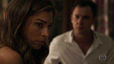 Gael convence Lívia a falar com Patrick - Patricinha teme ficar perto de Clara por causa de Tomaz. Sophia estranha quando vê os filhos saírem juntos