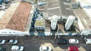 Acúmulo de lixo em Hospital de Araguaína pode prejudicar pacientes - Acúmulo de lixo em Hospital de Araguaína pode prejudicar pacientes