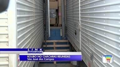 Transportadora é alvo de criminosos em São José - Crime aconteceu na madrugada desta quinta-feira (27) no bairro Chácaras Reunidas.