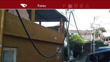 Fio caído incomoda moradora de Cachoeiro de Itapemirim, ES - Lorena Rizzo quer ver a situação resolvida.