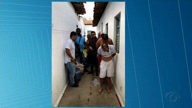 Polícia prende suspeitos de assalto e recupera carga roubada em Arapiraca - Igor Mendes e José de Lima Farias são suspeitos de roubar carga de uma empresa de perfumaria.