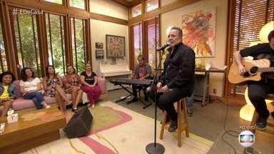 Zé Augusto canta: 'Evidências' - Sucesso dos karaokês anima o 'É de Casa'