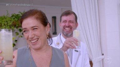 Lilia Cabral conhece Rodrigo Mello, chefe de bares do Copacabana Palace - O chefe de bares conta como as celebridades são atendidas no Copacabana Palace