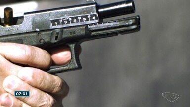 Policial federal do ES consegue encontrar digitais em cartuchos de balas - Processo de preparação demora cerca de duas horas.