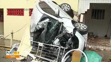 Mãe e filho morrem atropelados por caminhão desgovernado em Palmares, na Zona da Mata - Acidente aconteceu na segunda (30), em uma das principais avenidas da cidade.