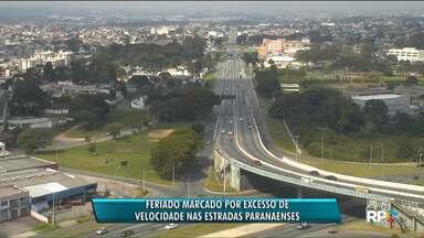 Feriado é marcado por excesso de velocidade nas estradas paranaenses - Policiais rodoviários também flagraram motoristas dirigindo embriagados.