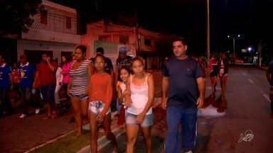 Caminhada da Fraternidade reúne oito mil pessoas no Crato - Fiéis percorreram cerca de 15 quilômetros.