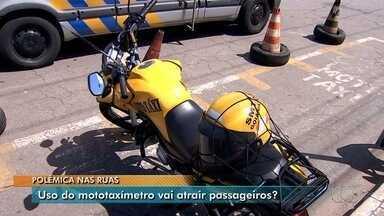Mototaxistas dividem a opinião sobre instalação de mototaxímetros, em Goiânia - Prefeitura suspendeu a publicação da portaria que regulamentaria o equipamento.