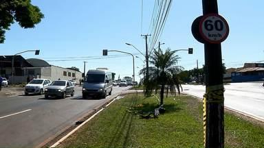 Motorista embriagada provoca a morte de duas pessoas em Londrina - A motorista de 37 anos fez o teste que comprovou a embriaguez