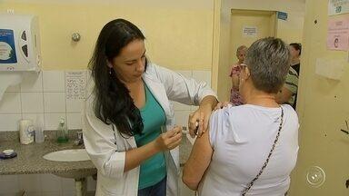 Procura pela vacina da gripe ainda é pequena na região de Sorocaba - Os postos de saúde abrem cedo nesta quarta-feira (2) para quem quer tomar a vacina contra a gripe. A campanha começou na semana passada e a procura pela dose ainda é pequena na região.