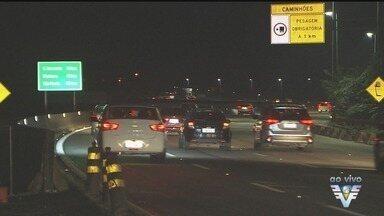 Estradas registram movimento intenso na volta do feriado prolongado - Confira o movimento das estradas.