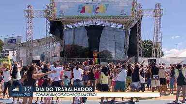 Moradores do DF comemoram o dia do trabalhador - O feriado começou cedo com uma maratona na Esplanada dos Ministérios. Nas comemorações, muita música, dança, brincadeiras para as crianças e até corrida de rolimã.