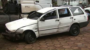 Adolescente morre depois de capotar um carro que tinha sido furtado - O acidente foi na BR-467, em Cascavel.