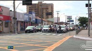 Pedestres e ciclistas sofrem por ser os mais frágeis no trânsito de Teresina - Pedestres e ciclistas sofrem por ser os mais frágeis no trânsito de Teresina