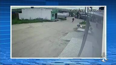 Policial Militar é baleado após reagir a assalto em Jupi - Vítima foi atingida com dois tiros e levada para o Hospital da Restauração, no Recife.