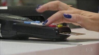Câmara aprova texto-base do projeto que muda as regras do cadastro positivo - Proposta prevê cadastramento automático dos consumidores.